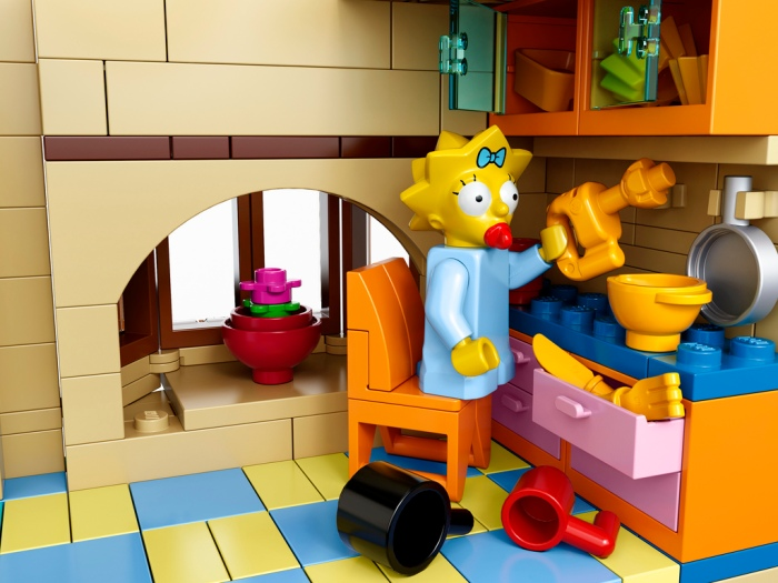 The-Simpsons-House-LEGO-11